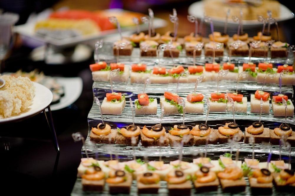 Một thực đơn Finger Food phong phú rất phù hợp với hình thức tiệc thân mật